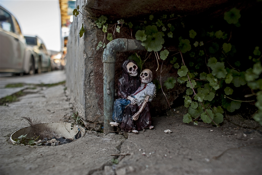 Isaac Cordal Cement Ecplipses-10