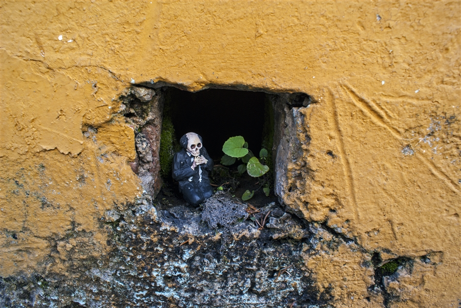 Isaac Cordal Cement Ecplipses-6