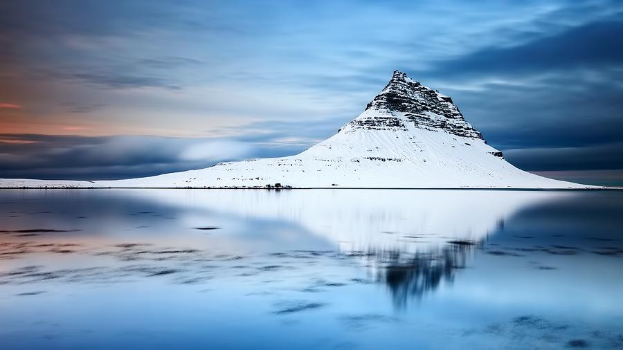m_kirkjufell_mountain_22-12-2011_1