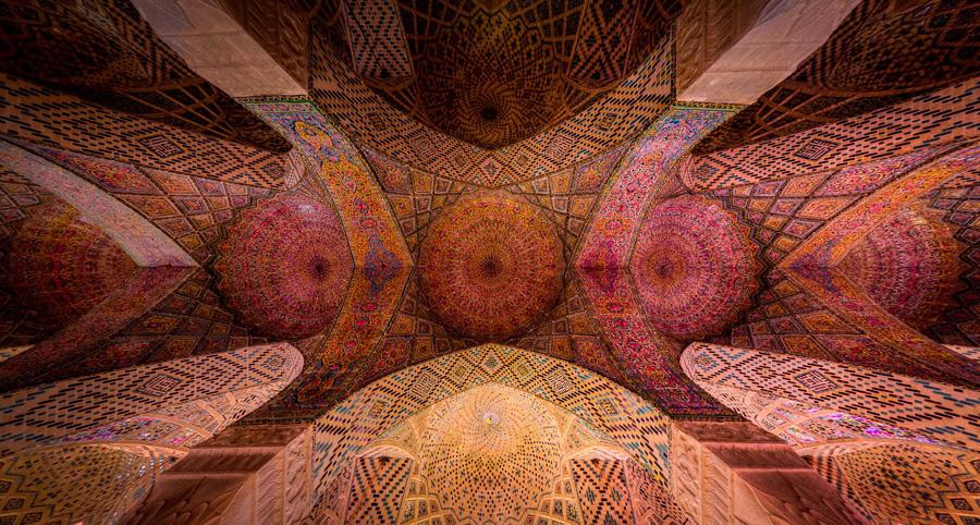 Nasir-al-Mulk-ceiling