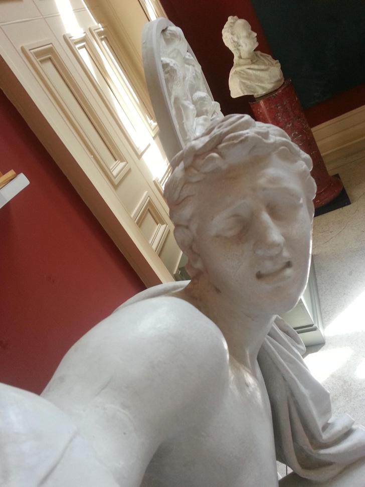 Statue Selfies-01